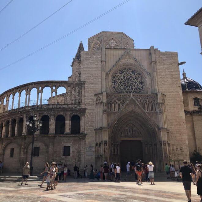 walking-tour-cathedral
